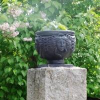 Test av linoljemaling på sementkrukker / terracotta