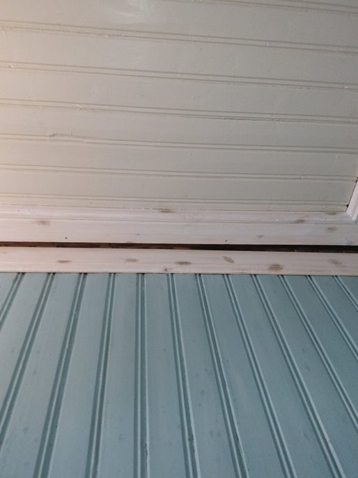 Lager gamle taklister